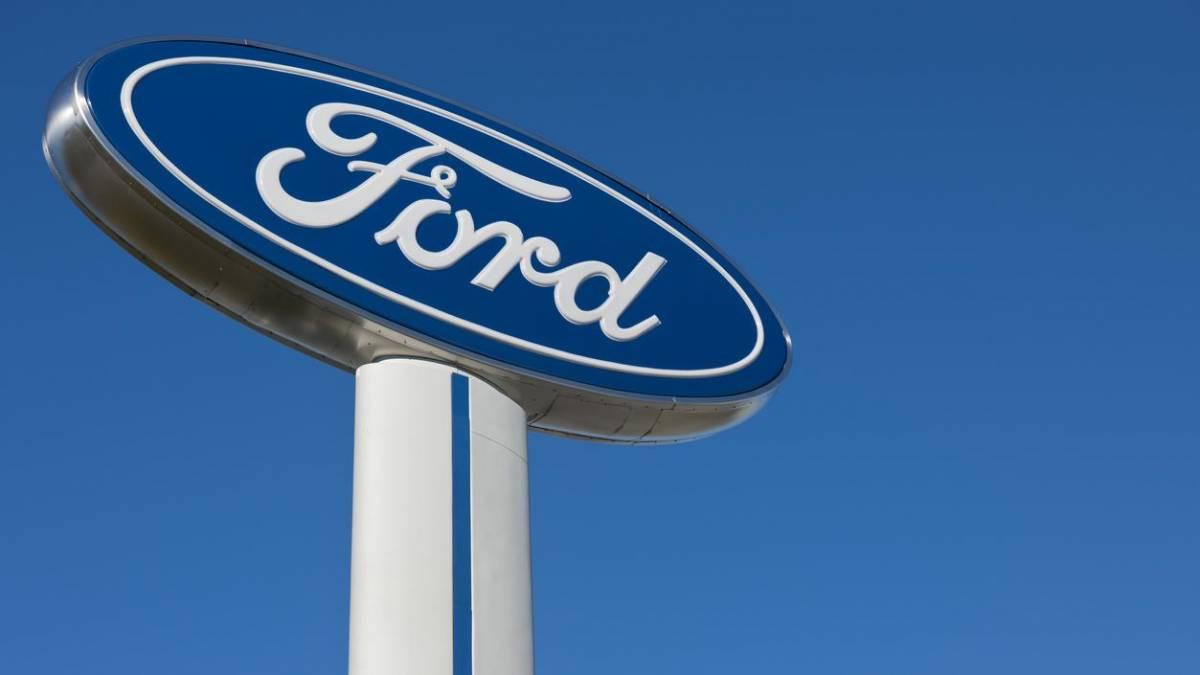 Ford 'cozinha' veículos policiais para diminuir propagação do coronavírus; entenda