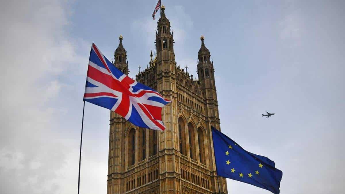 Reino Unido acredita que poder de Facebook e Google prejudica concorrência