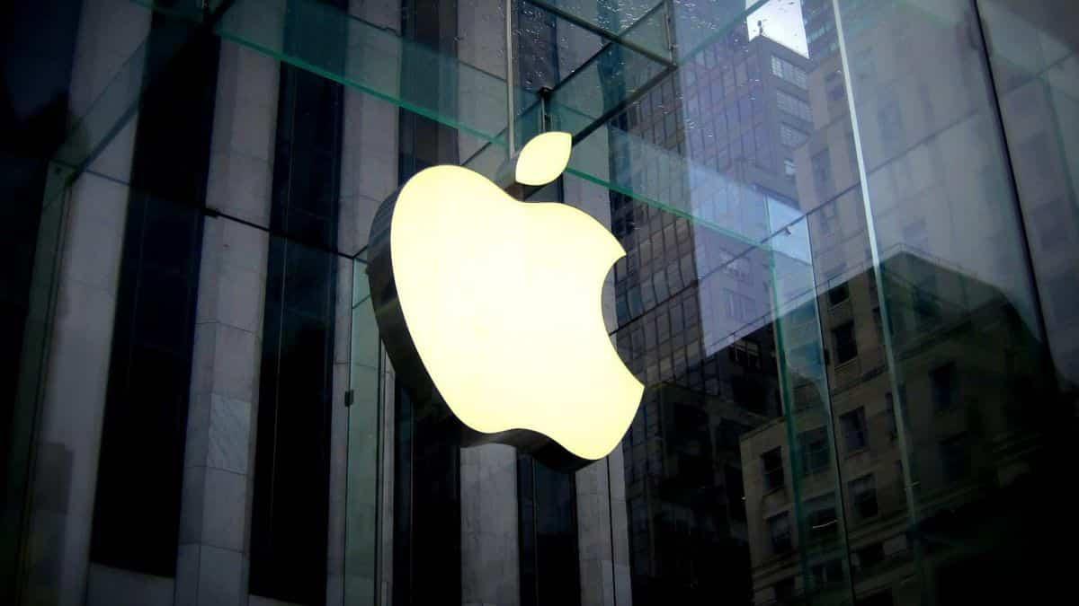 Ações da Apple disparam e empresa volta a ser a mais valiosa do mundo
