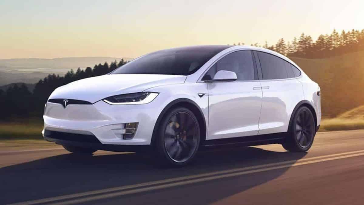 Hackers invadem e roubam Tesla em menos de dois minutos; veja o vídeo